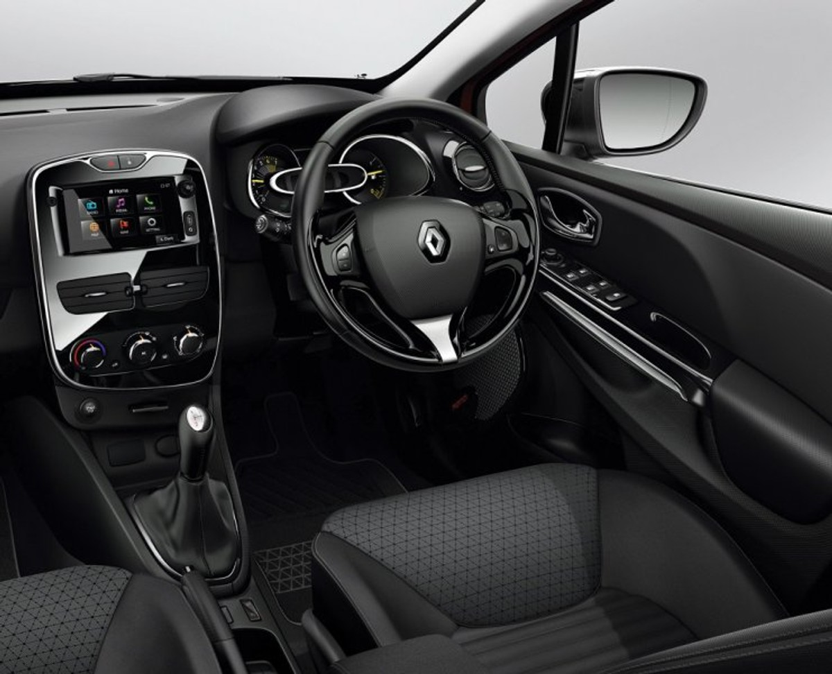 Renault Clio GT-Line (2015) Review - Cars co za