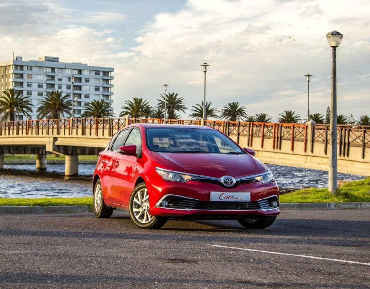 Toyota Auris 1 6 Xr 2015 Review Cars Co Za