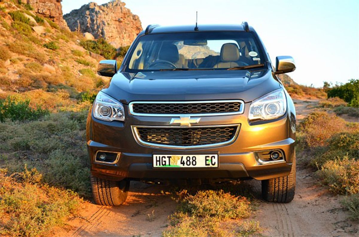 Chevrolet Trailblazer 2.8D LTZ 4x4 (2014) Review - Cars.co.za