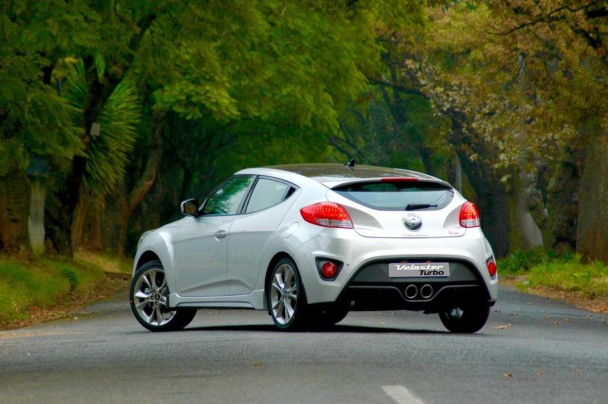 Hyundai Veloster Turbo (2015) First Drive - Cars.co.za