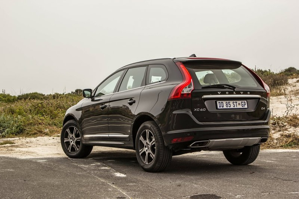 Volvo XC60 D4 (2014) Review - Cars.co.za