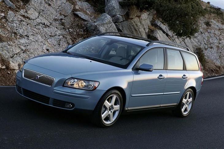 Volvo V50 2.4i (2004) Driving Impression - Cars.co.za