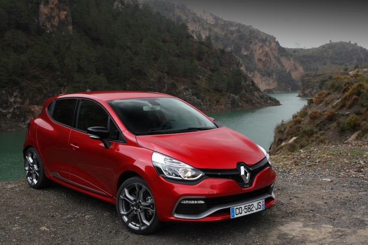 the new renault clio rs sport 200 edc in sa specs and prices