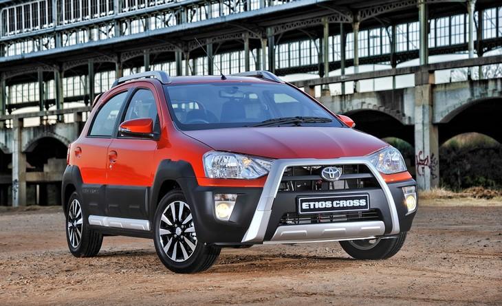 Toyota Etios Cross Driven at Launch - Cars.co.za