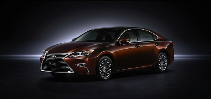 Facelifted Lexus Es Revealed In China Cars Co Za