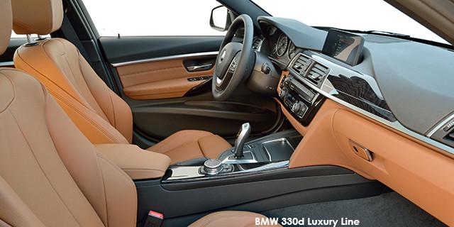 BMW 3 Series 330i Luxury Line auto_3