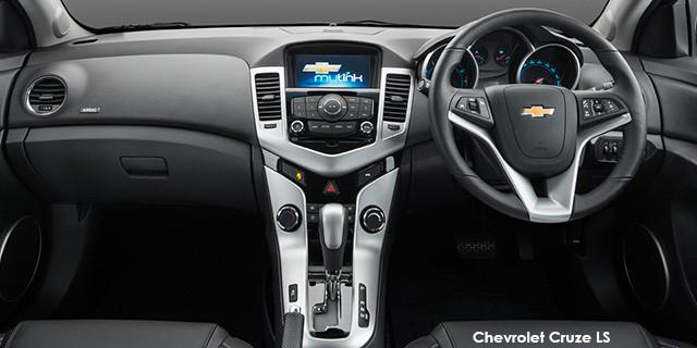 Chevrolet Cruze hatch 1.4T LS_3
