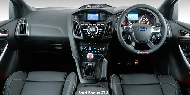 Ford Focus ST 1_3