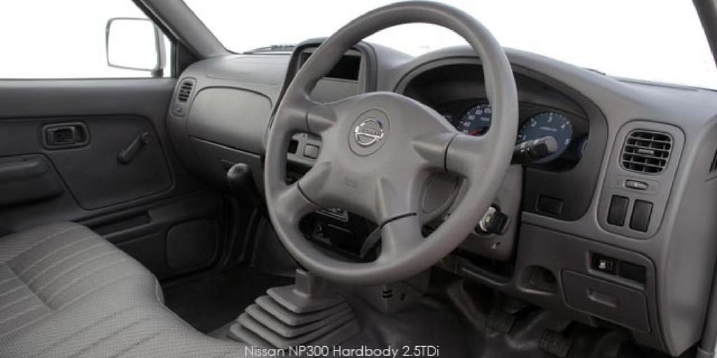 Nissan NP300 Hardbody 2.5TDi_3