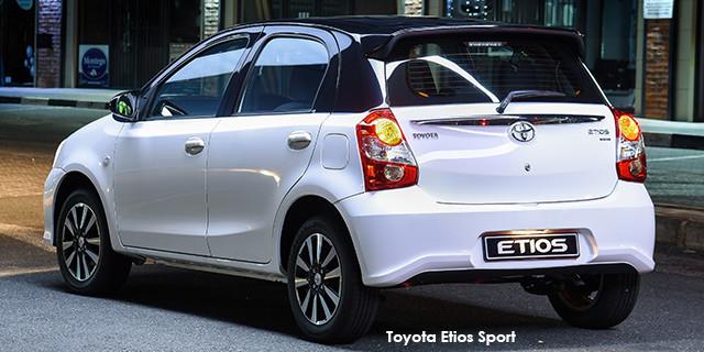 Toyota Etios hatch 1.5 Sport_2