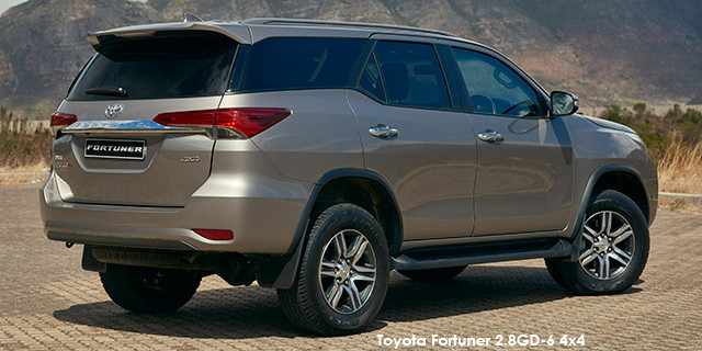 Toyota Fortuner 2.4GD-6 4x4 auto_2