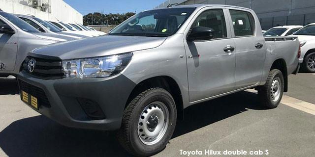 Toyota Hilux 2.4GD-6 double cab 4x4 SR_1