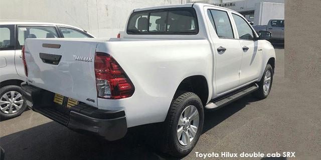 Toyota Hilux 2.4GD-6 double cab SRX_2
