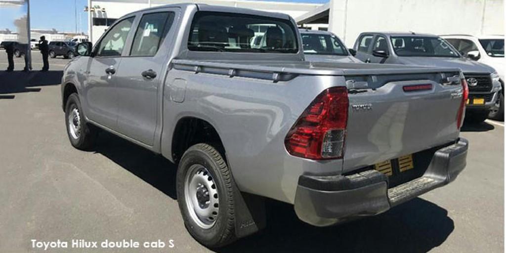 Toyota Hilux 2.4GD-6 double cab 4x4 SR_2