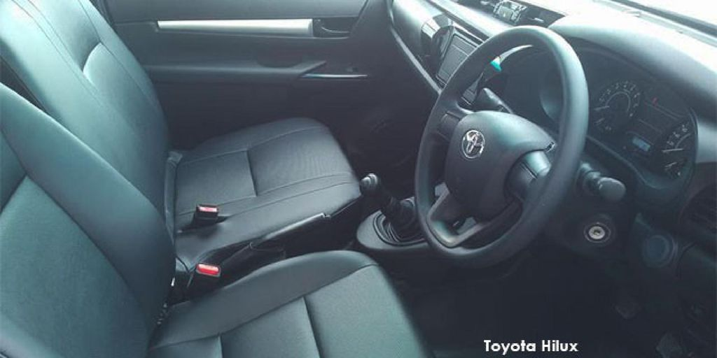 Toyota Hilux 2.0 S_3