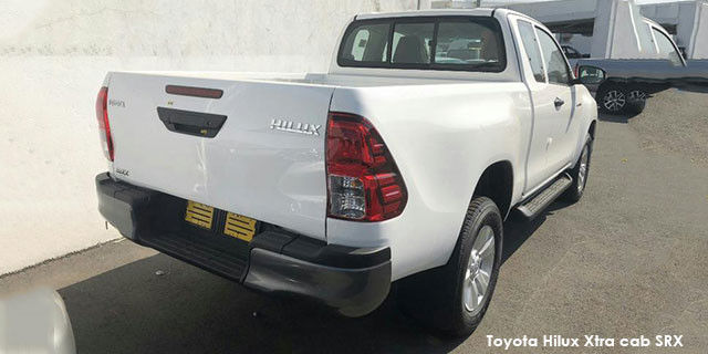 Toyota Hilux 2.4GD-6 Xtra cab SRX auto_2