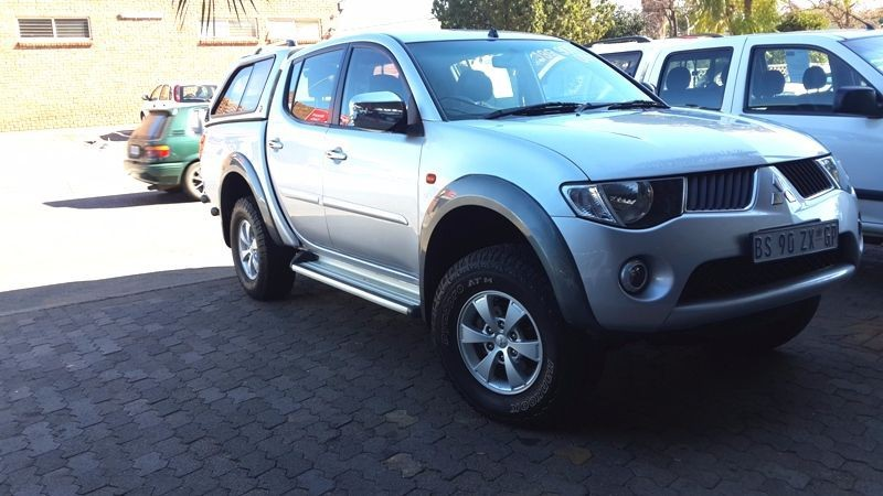 Used Mitsubishi Triton 2 5 Di D P U D C For Sale In