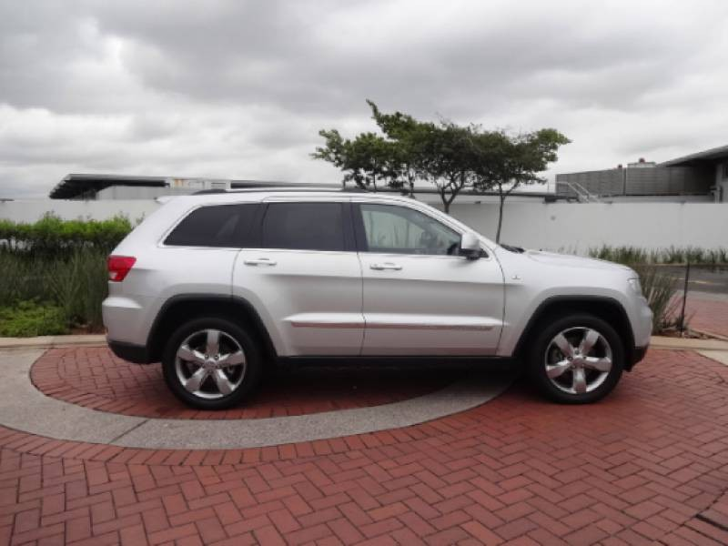 used jeep grand cherokee 3 6 overland for sale in kwazulu. Black Bedroom Furniture Sets. Home Design Ideas