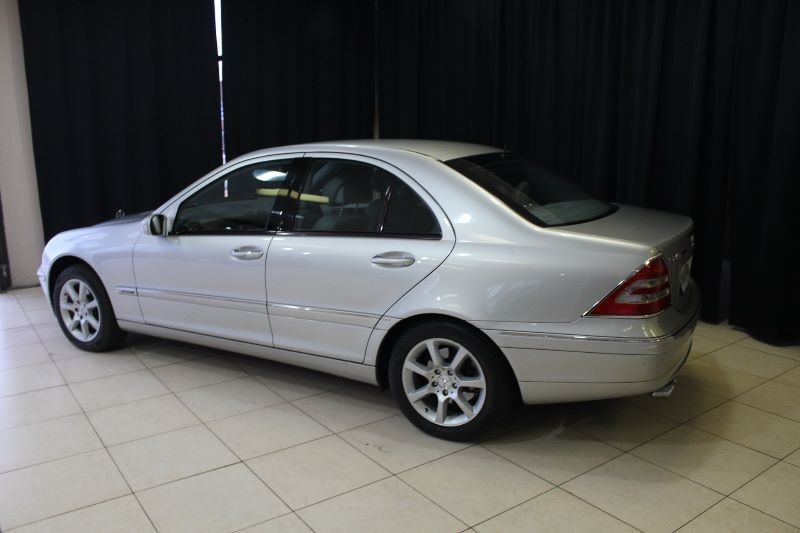 Used mercedes benz c class c240 elegance a t for sale in for 2001 mercedes benz c240