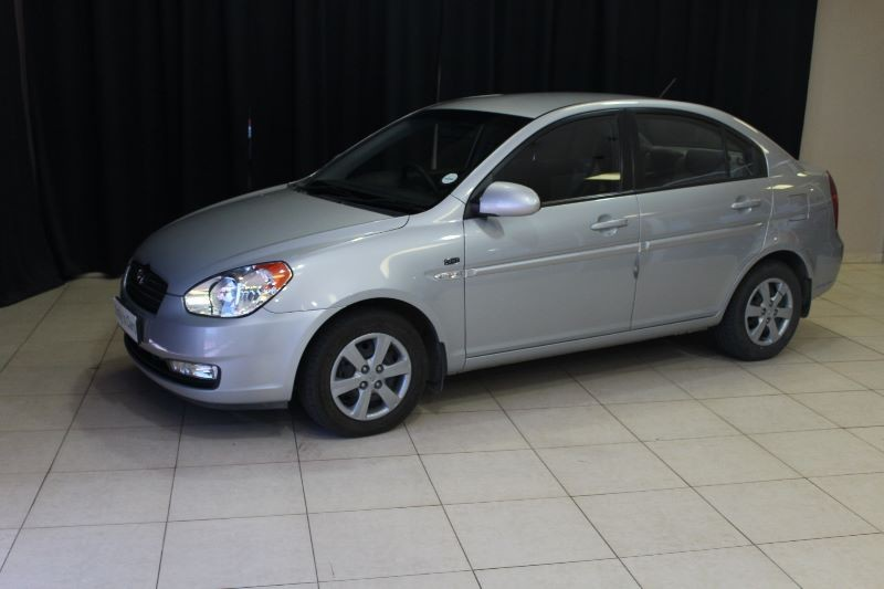 used hyundai accent 1 6 gls hs a t for sale in gauteng. Black Bedroom Furniture Sets. Home Design Ideas