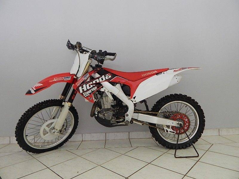 used honda crf 450 r for sale in gauteng id 1261082. Black Bedroom Furniture Sets. Home Design Ideas