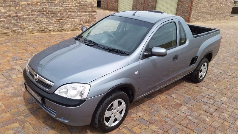 used opel corsa utility corsa 1 4 club pick up single cab excellent buy for sale in gauteng. Black Bedroom Furniture Sets. Home Design Ideas