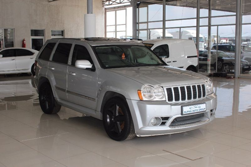 used jeep grand cherokee srt8 for sale in gauteng id 1336349. Black Bedroom Furniture Sets. Home Design Ideas