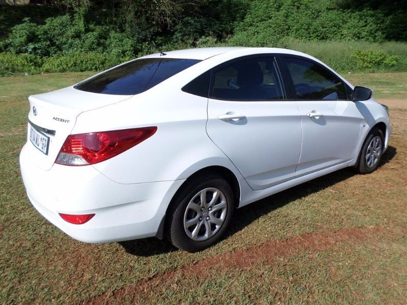 used hyundai accent 1 6 gls for sale in kwazulu natal. Black Bedroom Furniture Sets. Home Design Ideas