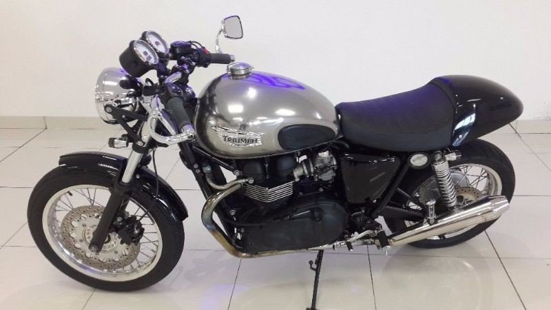 used triumph thruxton 900 for sale in western cape id 1389484. Black Bedroom Furniture Sets. Home Design Ideas