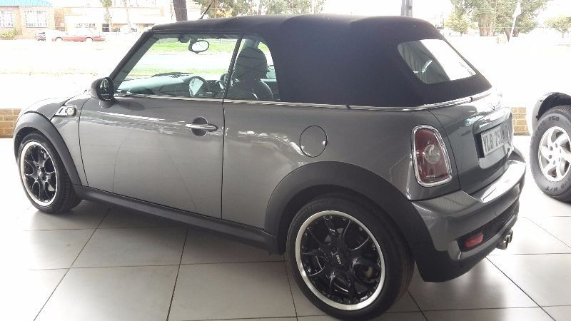 used mini cooper s convertible for sale in gauteng id 1407096. Black Bedroom Furniture Sets. Home Design Ideas