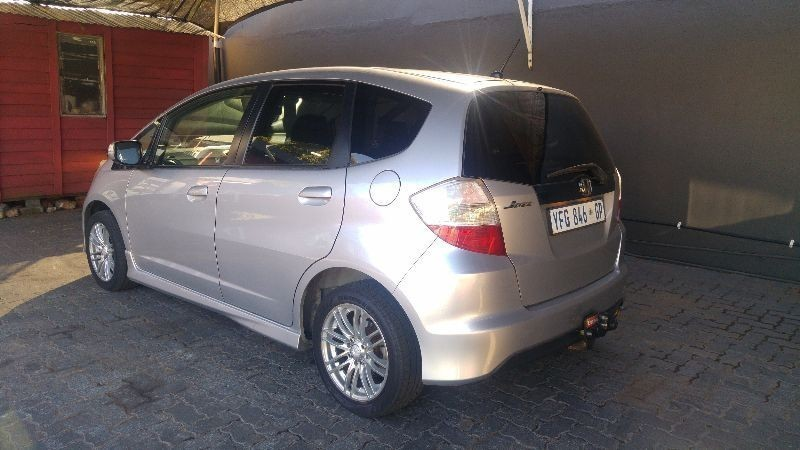 used honda jazz 1 5 executive for sale in gauteng id 1412944. Black Bedroom Furniture Sets. Home Design Ideas