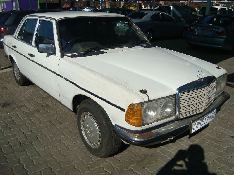 Used mercedes benz e class 200 a t w124 for sale in for Mercedes benz w124 for sale