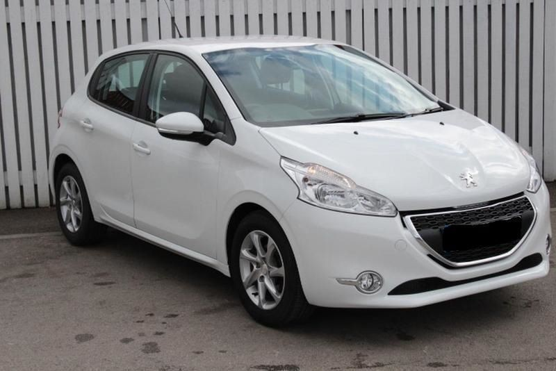 used peugeot 208 1 2 vti active 5dr for sale in gauteng id 1434233. Black Bedroom Furniture Sets. Home Design Ideas
