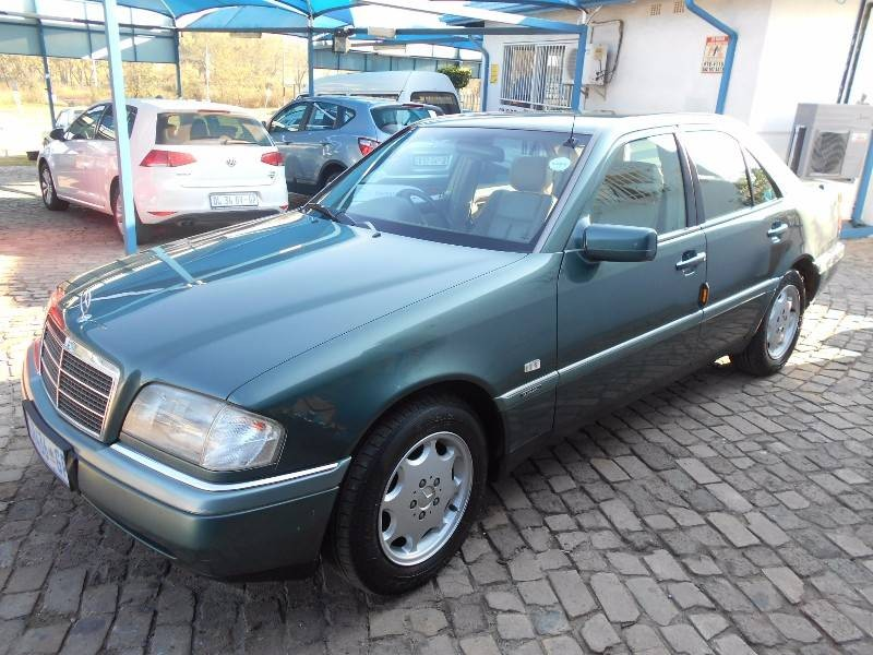 Used mercedes benz c class c220 elegance for sale in for 1996 mercedes benz c220