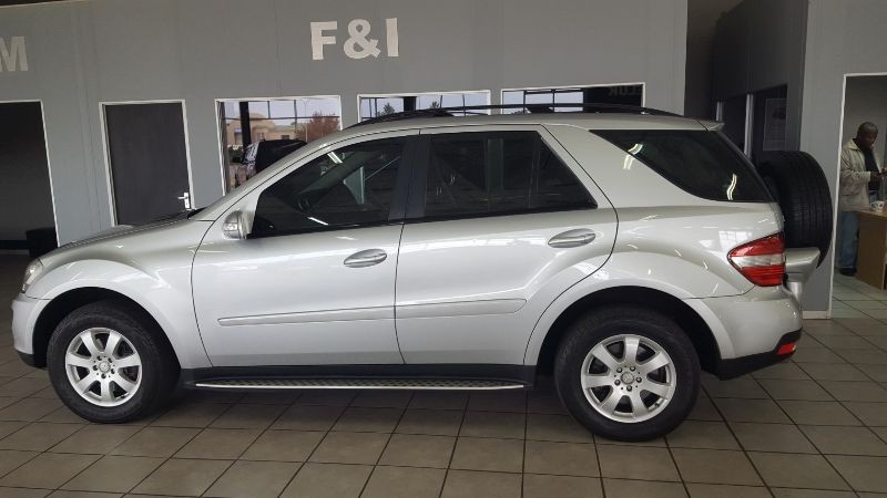 Used mercedes benz m class ml 350 a t for sale in gauteng for Mercedes benz ml 2008 for sale