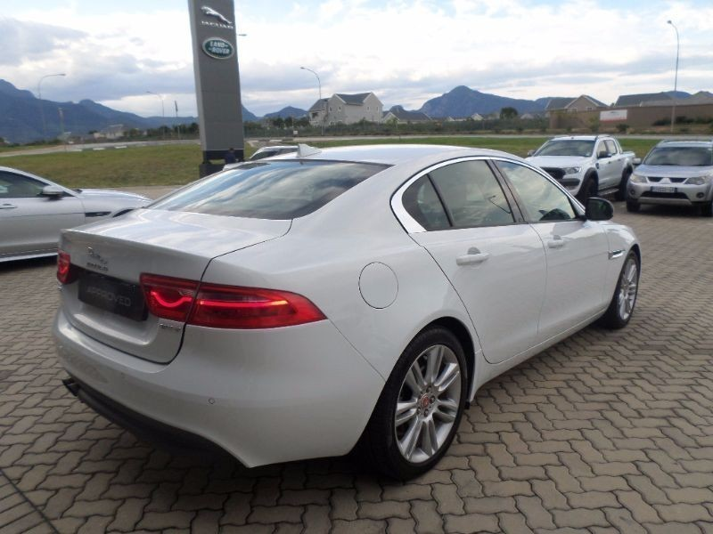used jaguar xe 2 0d pure for sale in western cape id 1440309. Black Bedroom Furniture Sets. Home Design Ideas