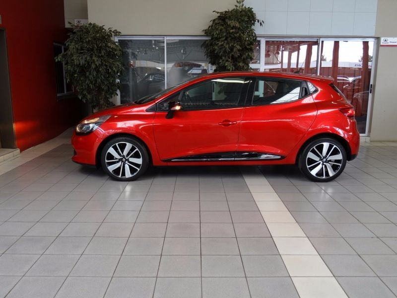 used renault clio iv 900 t dynamique 5 door 66kw for sale in gauteng id 1440894. Black Bedroom Furniture Sets. Home Design Ideas
