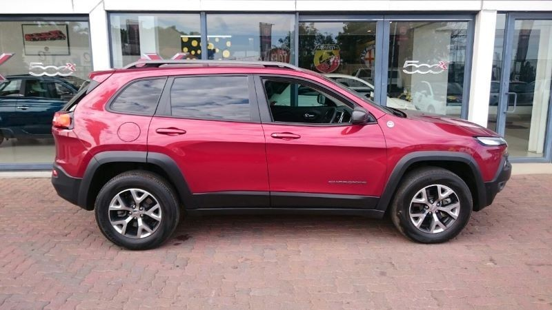 used jeep cherokee 3 2 trailhawk auto for sale in gauteng id 1447967. Black Bedroom Furniture Sets. Home Design Ideas