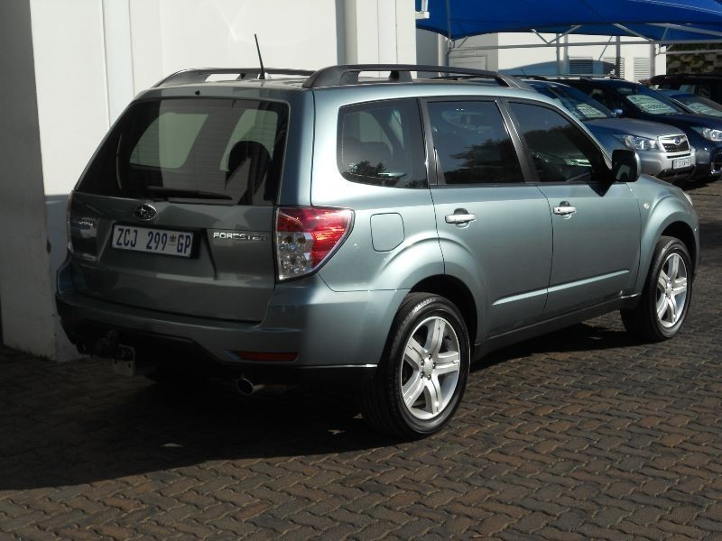used subaru forester 2 5xs automatic for sale in gauteng. Black Bedroom Furniture Sets. Home Design Ideas