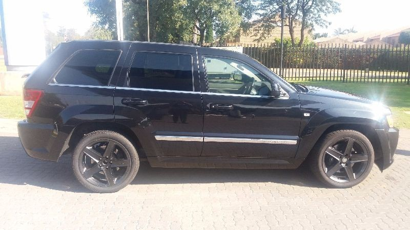 used jeep grand cherokee srt8 for sale in gauteng id 1456236. Black Bedroom Furniture Sets. Home Design Ideas