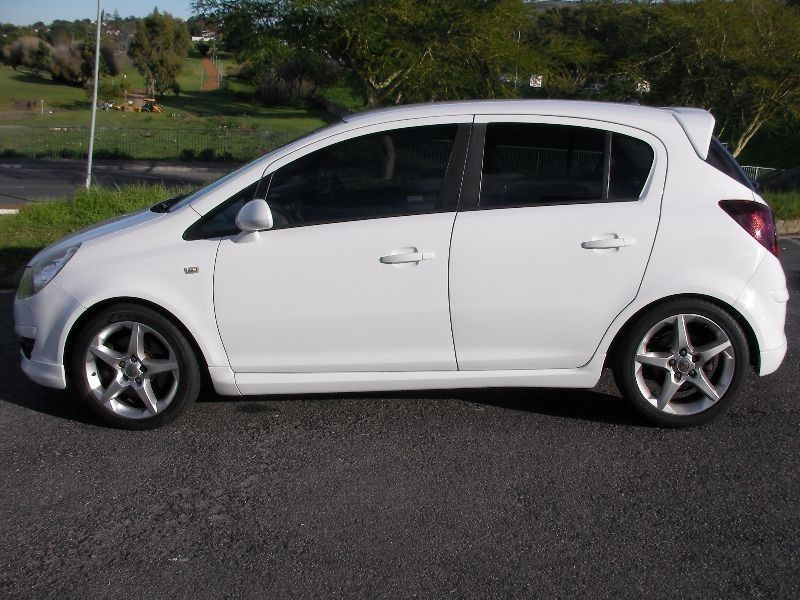 used opel corsa 1 6 sport 5dr for sale in western cape id 1457650. Black Bedroom Furniture Sets. Home Design Ideas