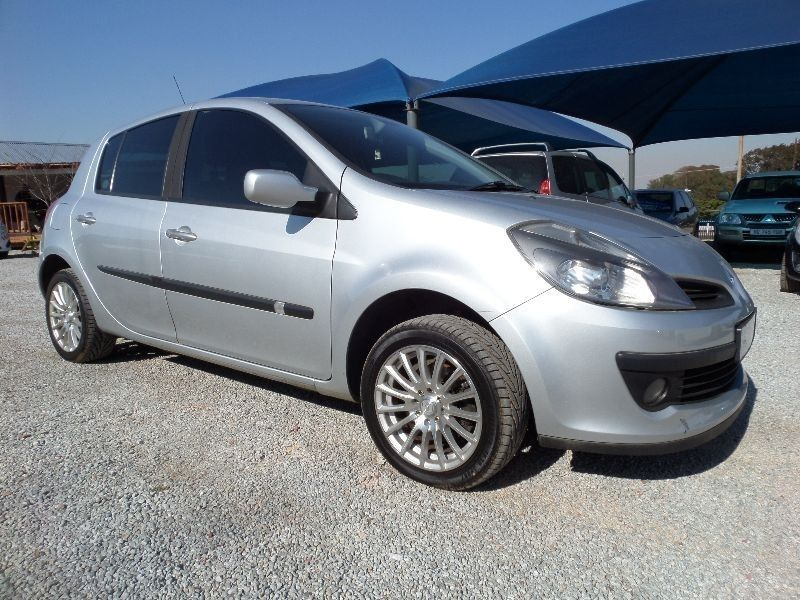 used renault clio 1 4 expression for sale in gauteng id 1466735. Black Bedroom Furniture Sets. Home Design Ideas