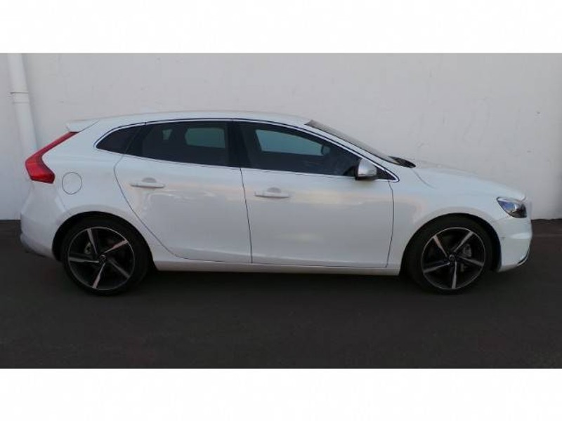 used volvo v40 d3 r design geartronic for sale in gauteng id 1480635. Black Bedroom Furniture Sets. Home Design Ideas
