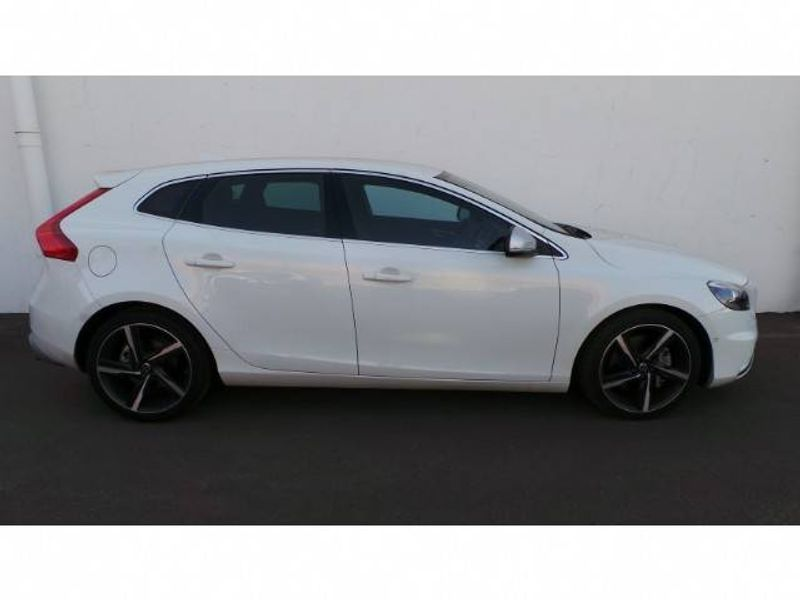used volvo v40 d3 r design geartronic for sale in gauteng. Black Bedroom Furniture Sets. Home Design Ideas