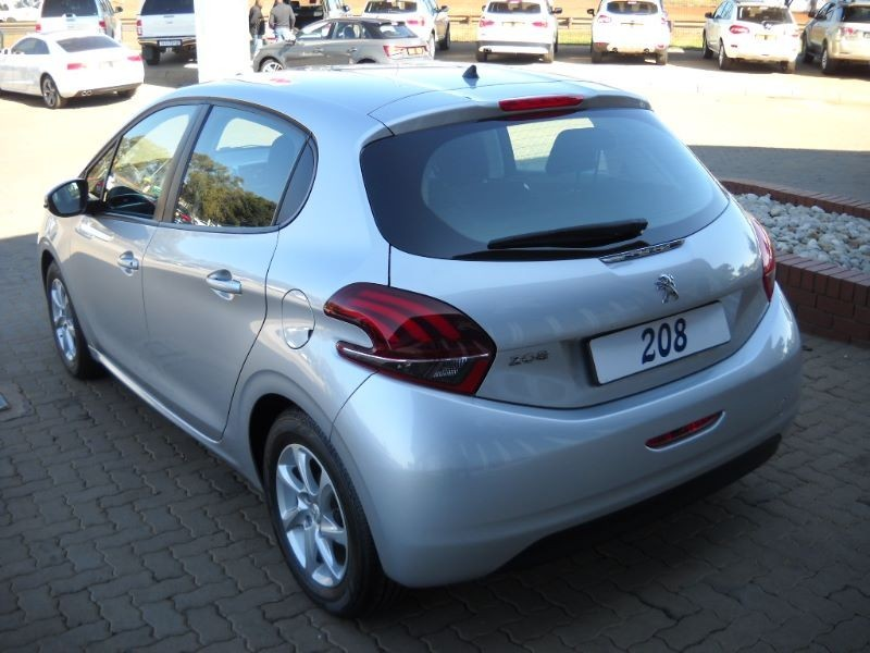 used peugeot 208 208 1 2 pure tech ative manual for sale. Black Bedroom Furniture Sets. Home Design Ideas
