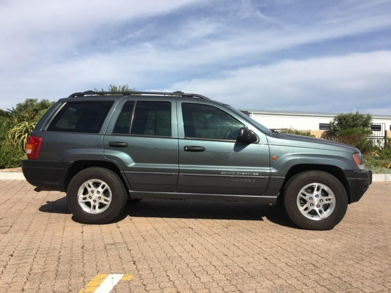 used jeep grand cherokee laredo 4 7 v8 for sale in western cape id 1484141. Black Bedroom Furniture Sets. Home Design Ideas