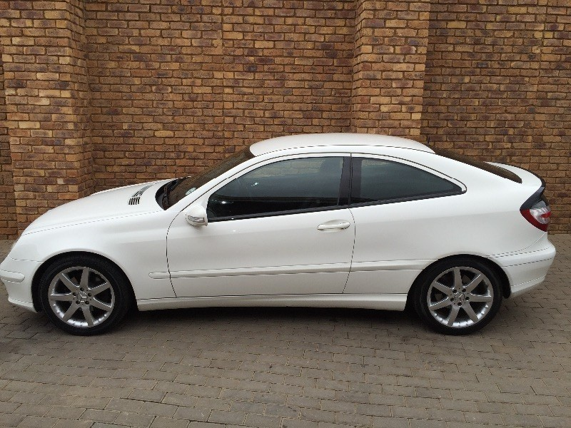 Used mercedes benz c class c230 v6 coupe for sale in for Mercedes benz c class used cars for sale