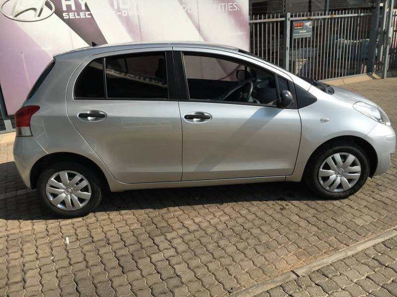 used toyota yaris t3 a c 5dr for sale in gauteng. Black Bedroom Furniture Sets. Home Design Ideas