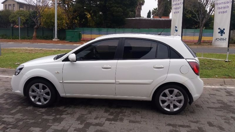 used kia rio 1 6 5dr for sale in gauteng id. Black Bedroom Furniture Sets. Home Design Ideas