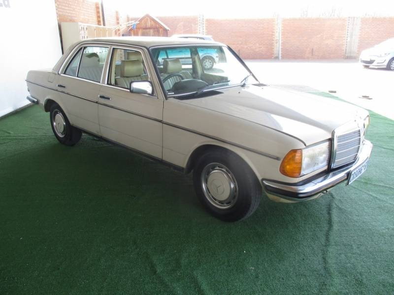 Used mercedes benz e class 230 e a c w123 for sale in for Mercedes benz w123 for sale